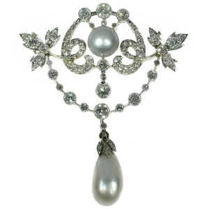 Belle Epoque diamond and pearl brooch pendant with big natural saltwater pearls